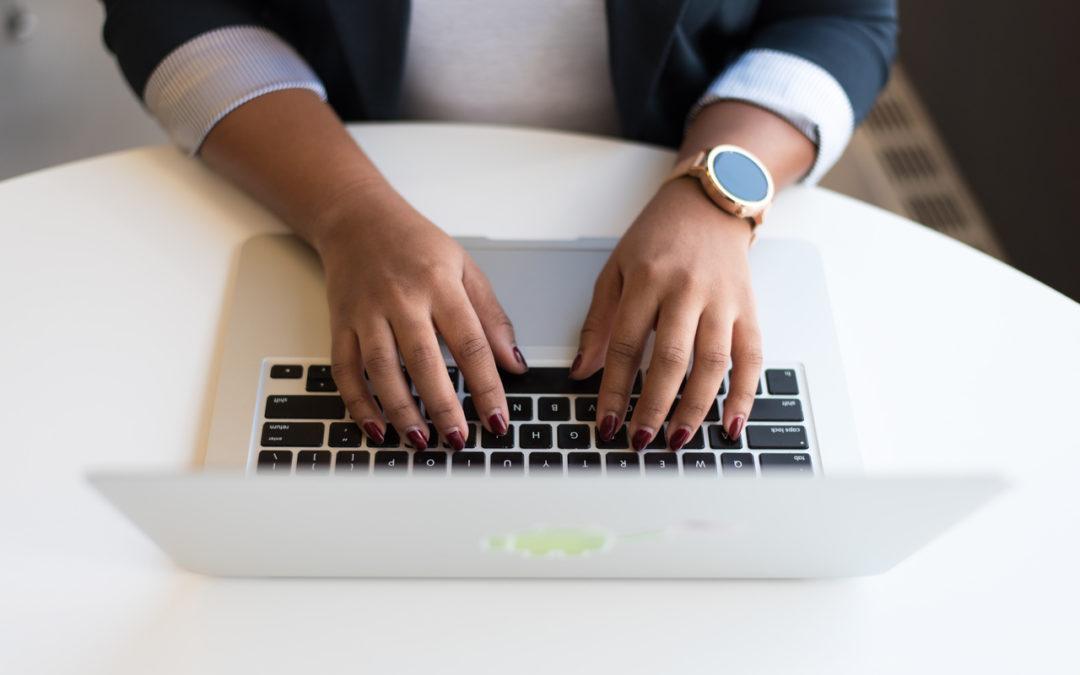 Copywriting jako praca dla osoby niepełnosprawnej. Praca zdalna czy warto zatrudnić pracownika w tej formie?