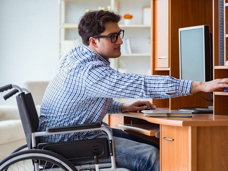 Rekrutacja osób niepełnosprawnych. Czy wiesz jak i gdzie poszukiwać odpowiednich kandydatów do pracy? Poznaj 5 zasad, które mogą Tobie pomóc. 6