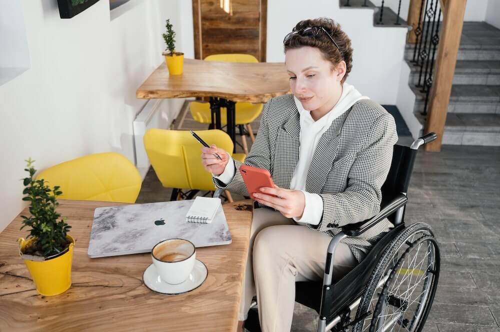 jak zatrudniać osoby niepełnosprawne